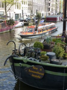 13.3 Houseboat